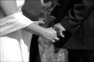 holding hands sxc